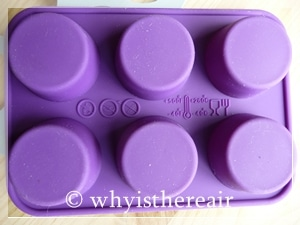 Your silicone mini muffin mould is dishwasher, oven, microwave and freezer safe