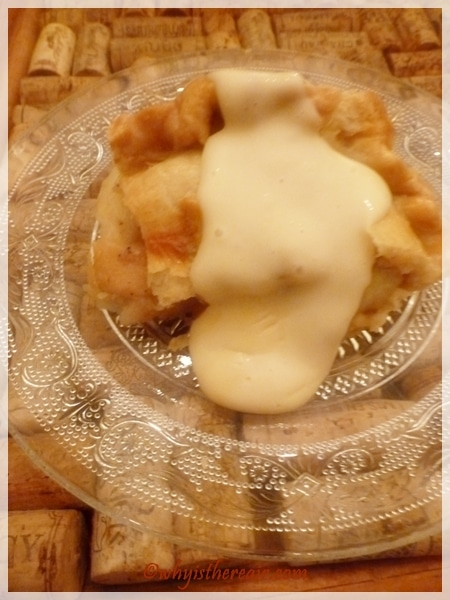 Mom's Apple Pie served with a creamy Thermomix custard