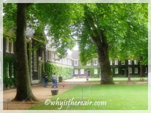 The peaceful courtyard of the Geffrye Museum of the Home