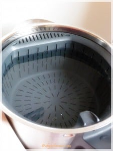 Insert the internal steamer basket and heat the water to 60 degrees C
