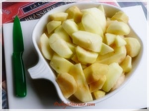 Fill your dish with apples to determine how many to prepare. Here I filled it with sliced apples as I went alongac